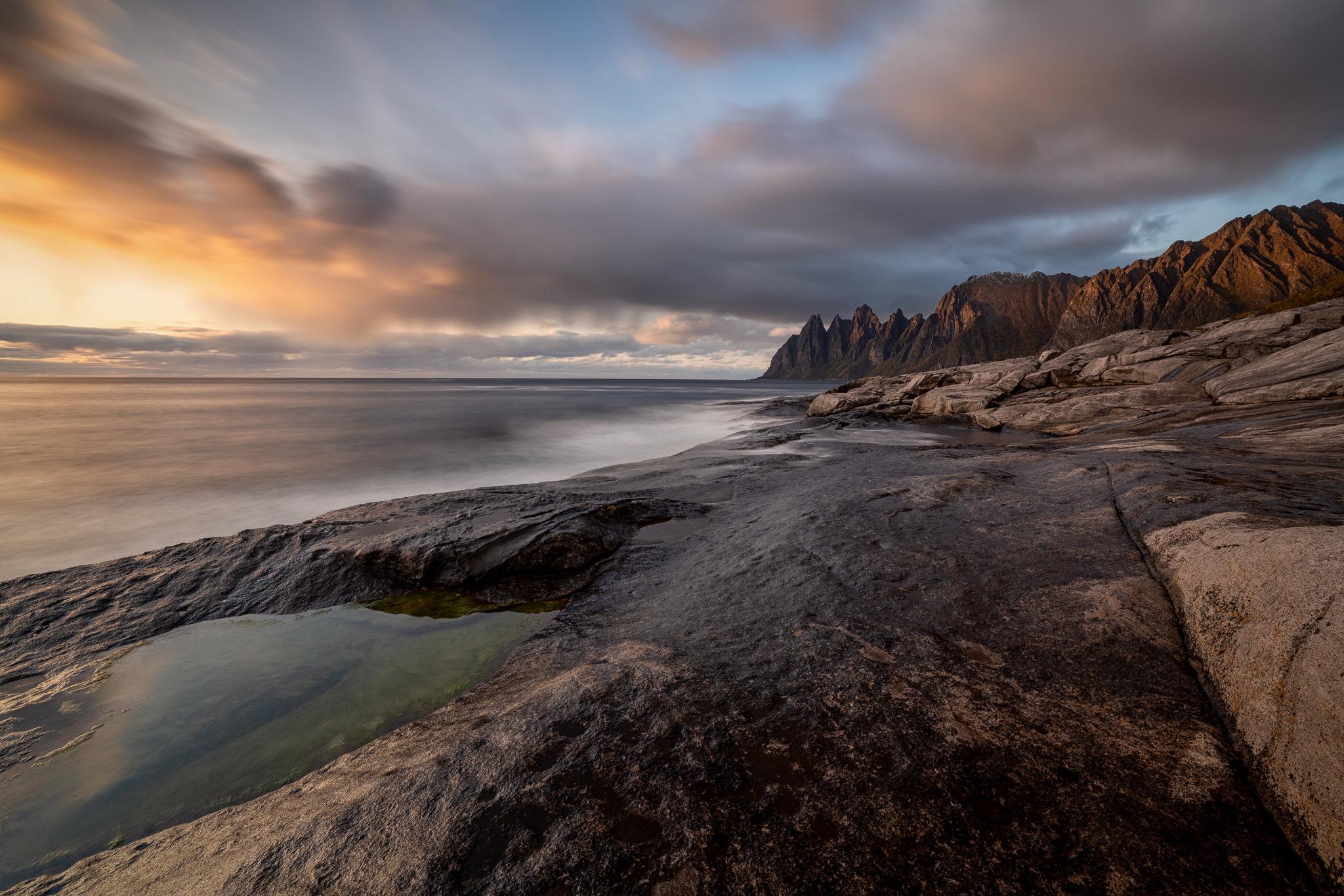 Teufelszähne auf Senja zum Sonnenuntergang, Lofoten, Norwegen, Fotoscout